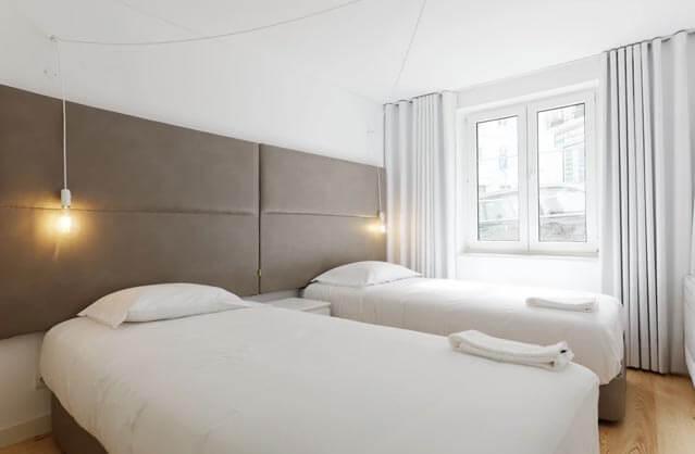 Lisbon Hen Accommodation | Lisbon Hen Hotels | GoHen.com
