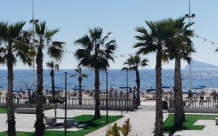 Beachfront Bar and Paella