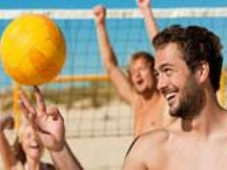 Beers, Beach Games & Paddleboarding
